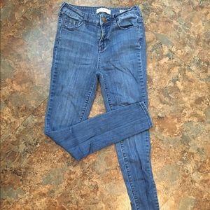 Bullhead - high rise skinniest jeans